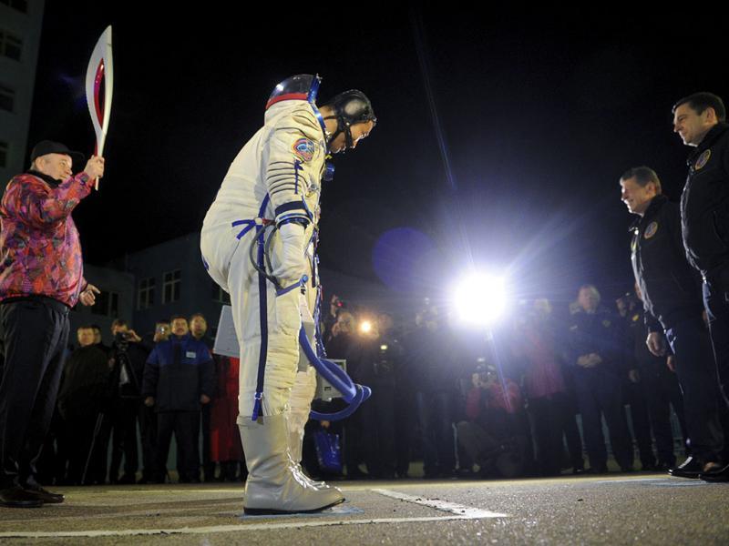 Tocha olímpica lançada para um passeio no espaço (Reuters)