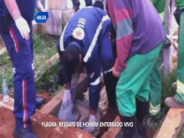 Resgate do brasileiro enterrado vivo (Foto Reprodução/Youtube)