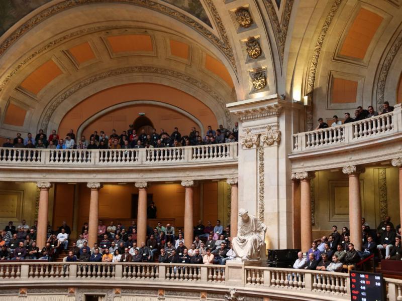 Agentes de segurança enchem as galerias da Assembleia da República (TIAGO PETINGA / LUSA)