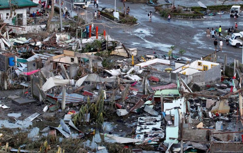 Tufão deixa rasto de destruição nas Filipinas (Lusa/Epa)