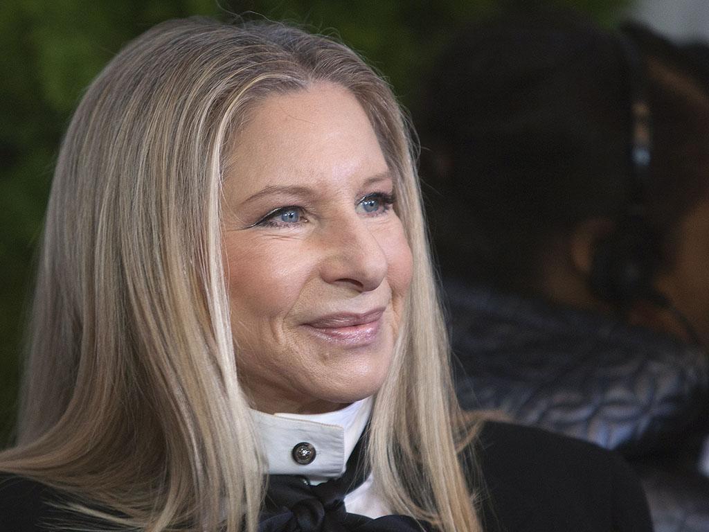 Barbra Streisand  é a segunda cantora mais rica do mundo