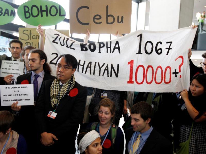 Greve de fome em solidariedade com vítimas do Tufão nas Filipinas (Reuters)