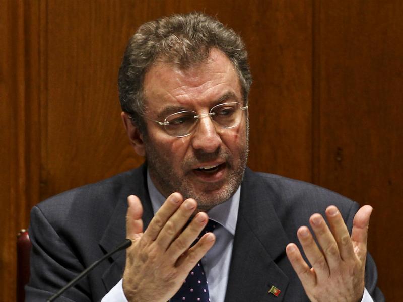 Professores interrompem Crato no Parlamento (Lusa)