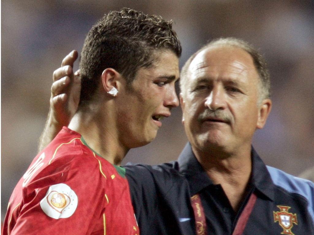 Cristiano Ronaldo e Scolari no Euro 2004 (Reuters)