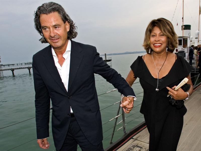 A cantora Tina Turner e o marido, o produtor Erwin Bach (Foto Reprodução/Miro Kuzmanovic/Reuters)
