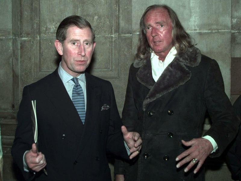 Príncipe Carlos de Gales com o compositor John Tavener, em 1998 (Reuters)