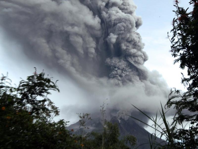 Erupção na Indonésia [Reuters]