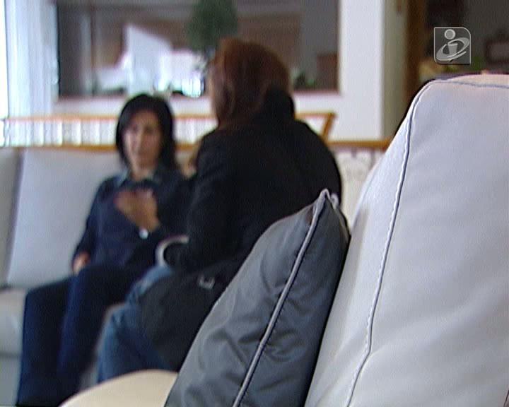 Professora acusa médico de a operar ao olho errado