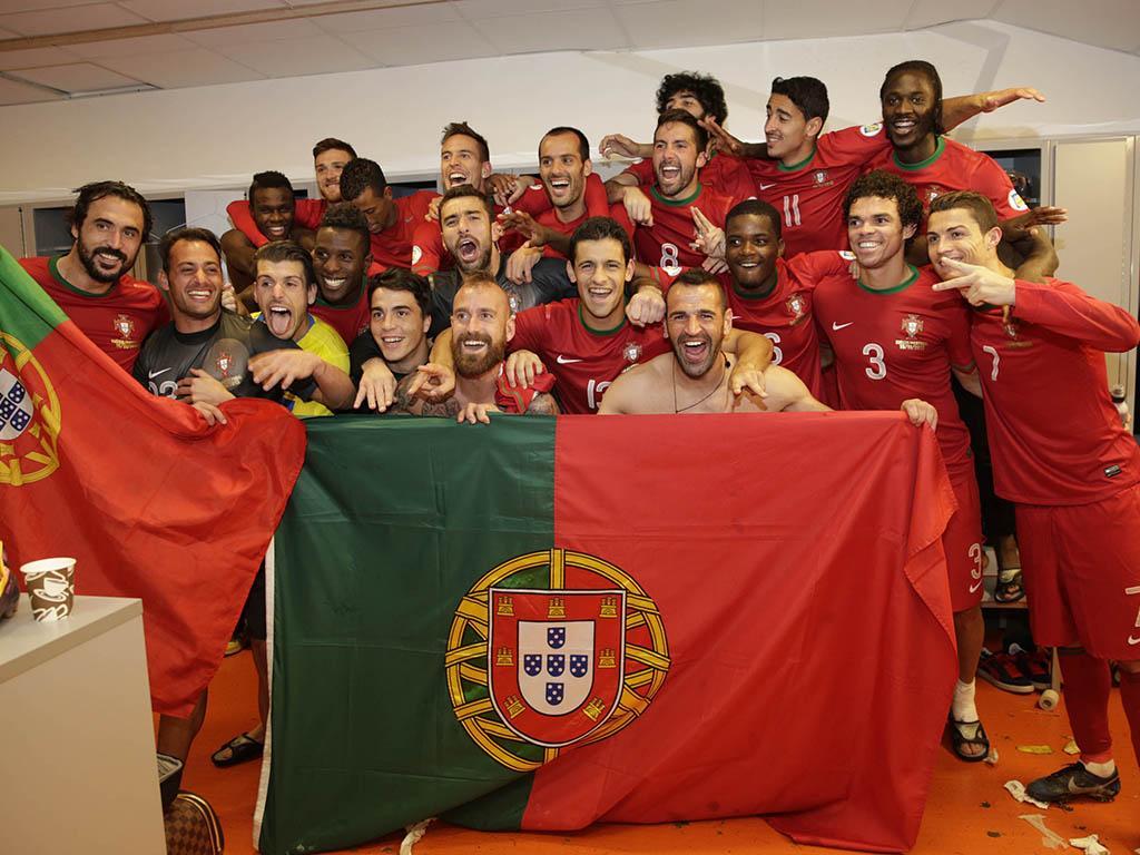 Seleçao Nacional celebra vitória sobre a Suécia (FPF/Francisco Paraíso)