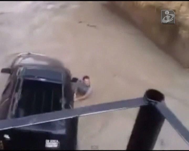 Dois militares morrem ao tentar salvar um carro