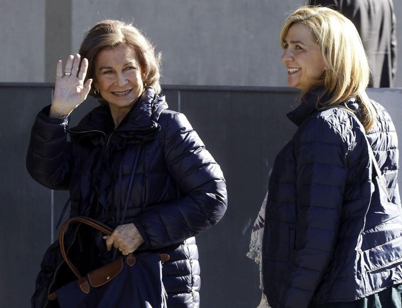 Rainha Sofia e Infanta Cristina visitam o rei Juan Carlos Foto: Lusa