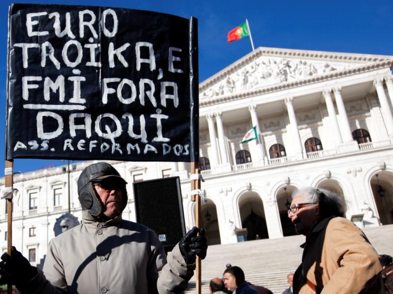 Manifestação da CGTP frente ao Parlamento (José Sena Goulão/Lusa)