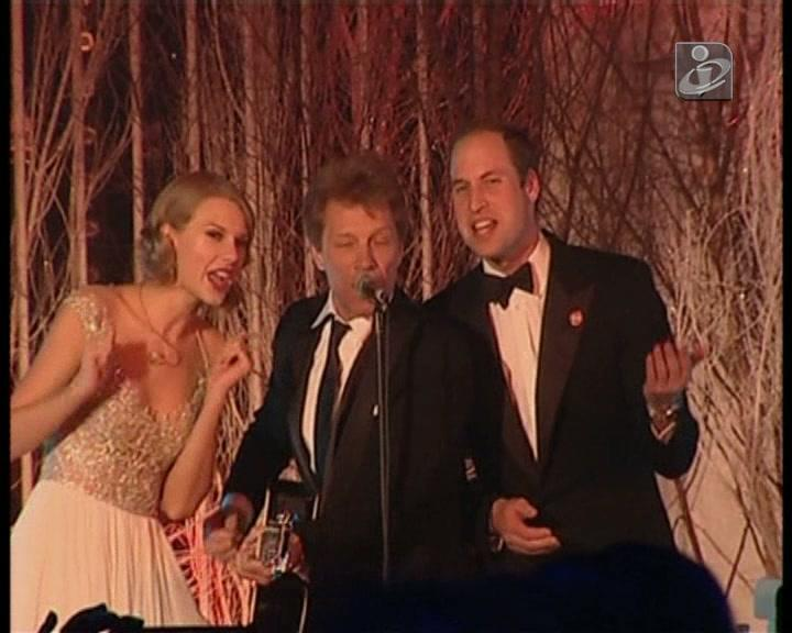 Príncipe William canta com Bon Jovi e Taylor Swift
