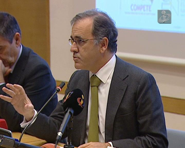 Ministro da Economia quer «mais» qualificação na Saúde