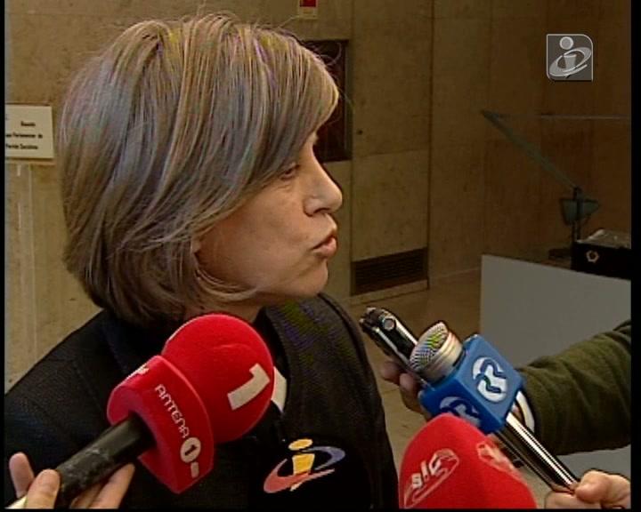 PS defende a demissão de Nuno Crato
