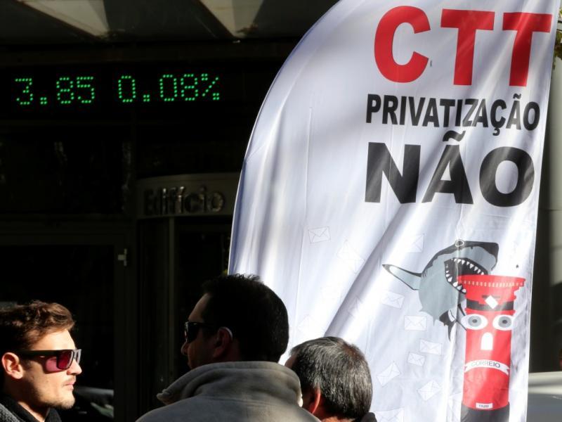 Protesto contra privatização dos CTT [LUSA]