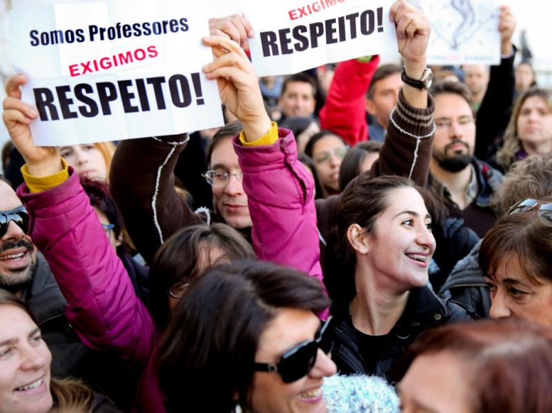 Protesto de professores no Parlamento [LUSA]