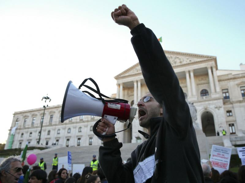 Protesto de professores no Parlamento (Lusa)