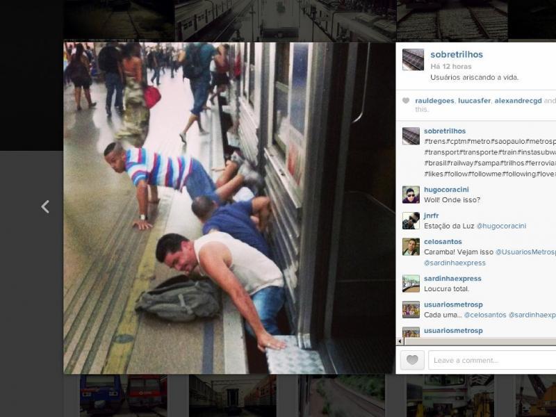 Metro suspenso por culpa dos passageiros