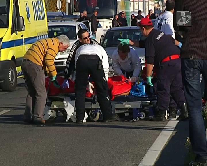 EN125: colisão faz dois feridos graves