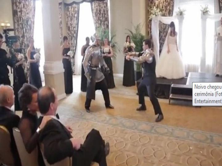 Super heróis e ninjas interrompem casamento (Foto: Reprodução/YouTube)