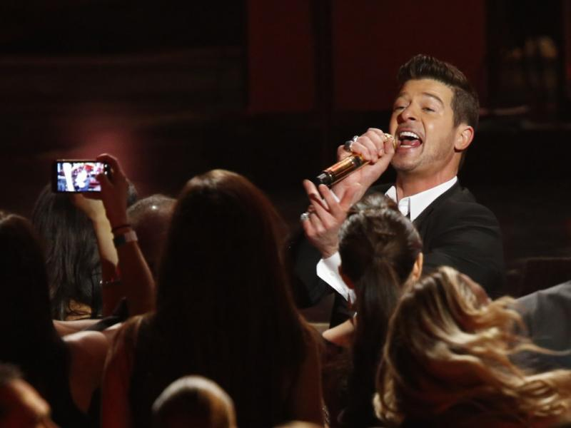Robin Thicke no concerto dos nomeados para os Grammy Awards (Reuters)
