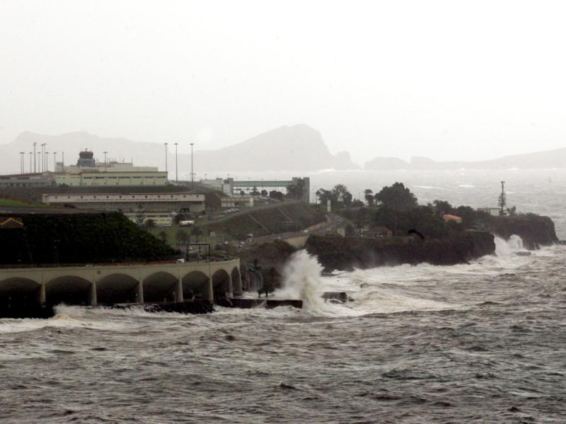 Mau tempo na Madeira [LUSA]