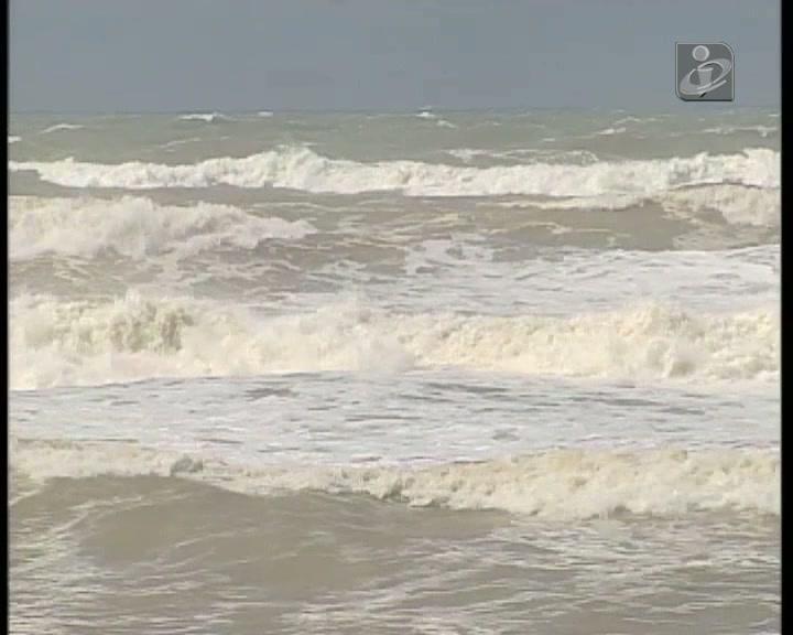 Pescadores desaparecidos: mau tempo impede buscas