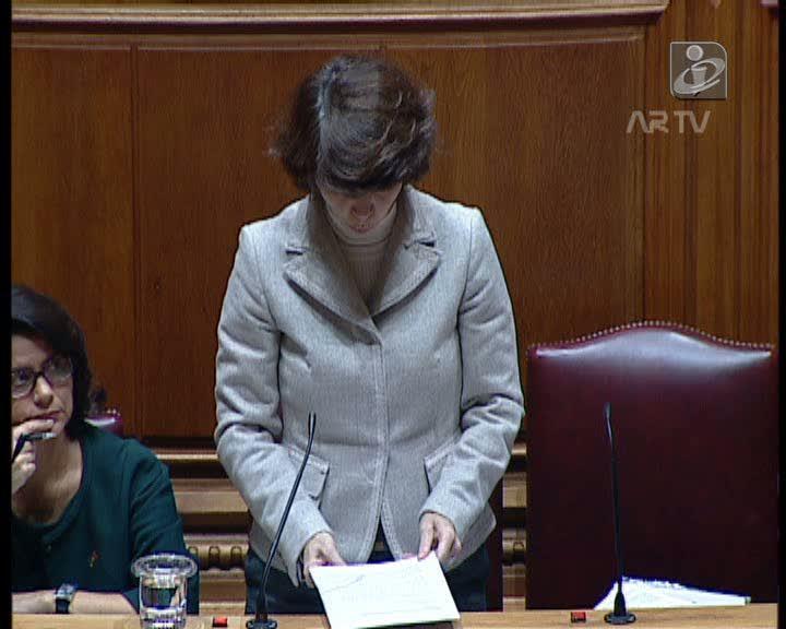 Secretária de Estado incomodada com protesto na AR: «Outra vez?»