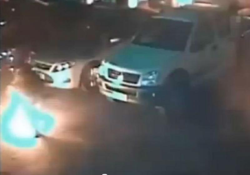 Ladrão deita fogo a ele próprio ao roubar gasóleo de cigarro aceso (Foto reprodução YouTube)