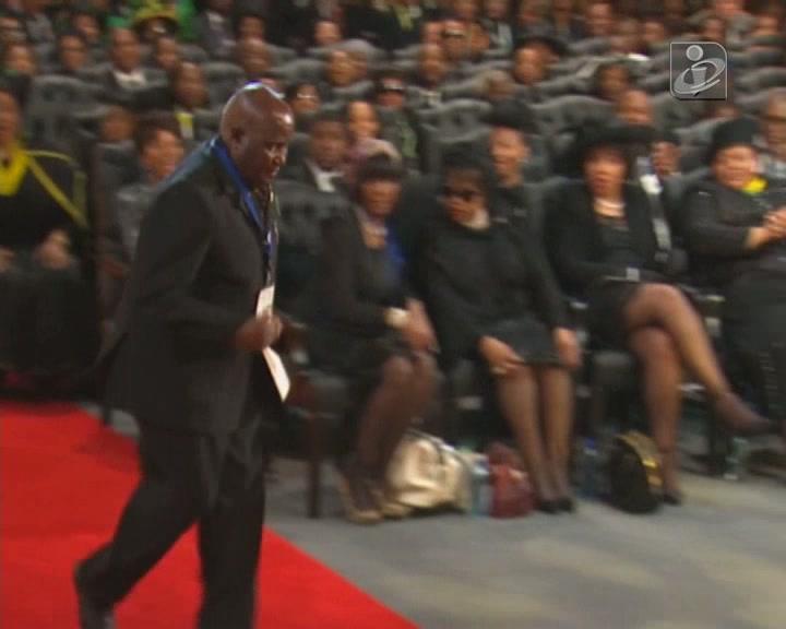 Kahunda protagoniza momento caricato no funeral de Mandela
