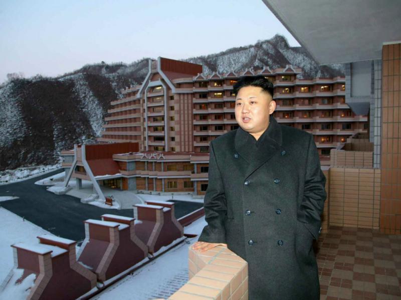 Kim Jong-un visita primeira estância de esqui do país (EPA/Rodong Sinmun)