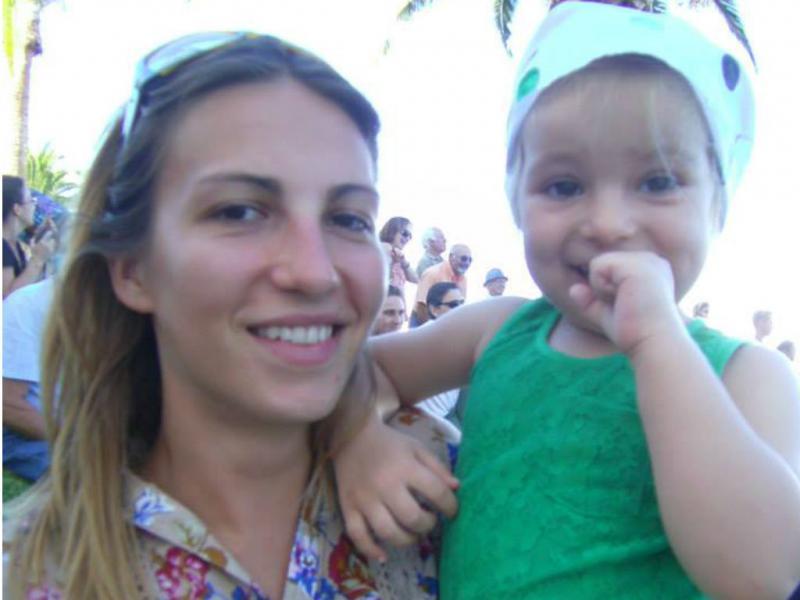 Emanuela Ivan e a filha [Reprodução/Facebook]