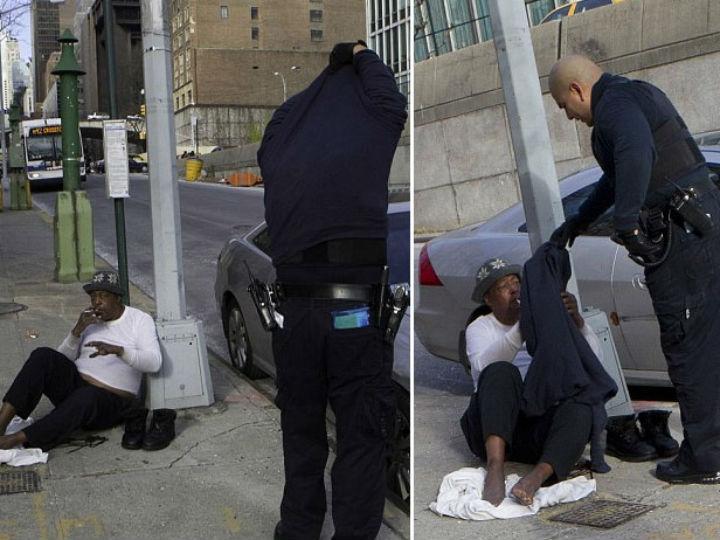 Polícia tira a própria roupa para dar a sem-abrigo (Foto reprodução Examiner)