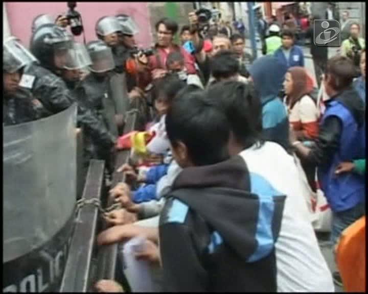 Bolívia: manifestação de crianças acaba em violência