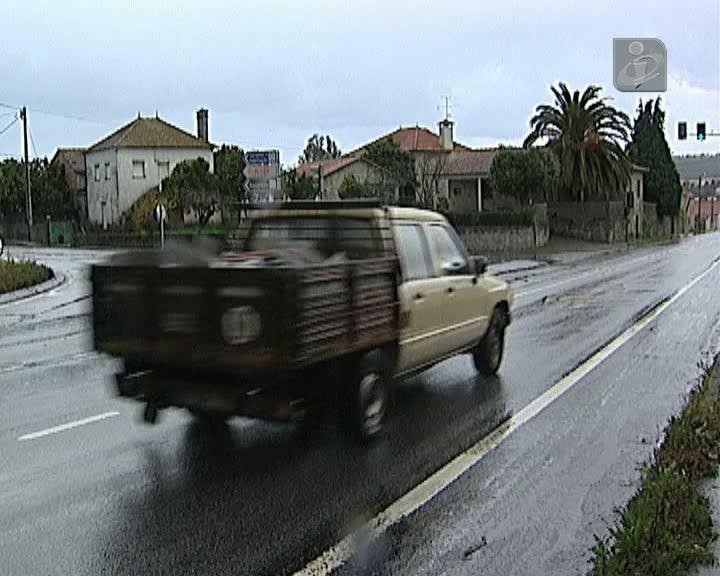 Criança conduziu carro do pai durante quilómetros em Viana