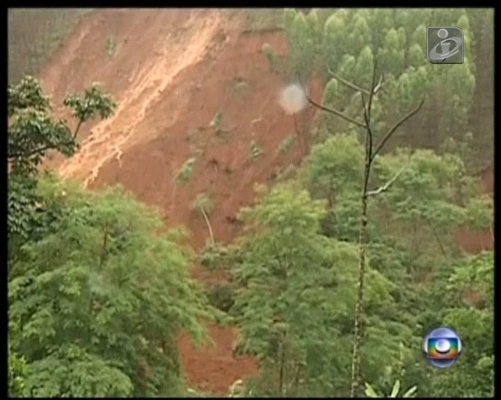 Deslizamento de terras faz seis mortos no Brasil