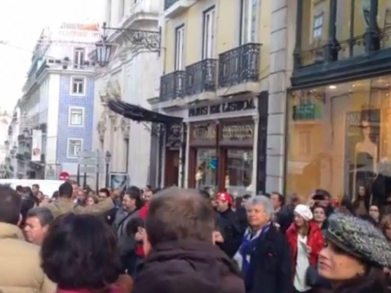 Flash mob do Coro do Teatro Nacional de São Carlos