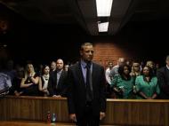 Fevereiro: Oscar Pistorius em tribunal, uma das imagens do ano