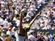 Março: Sharapova festeja vitória em IndianWells