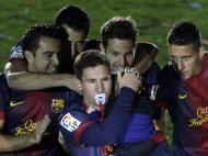 Maio: papá Messi festeja o título de campeão do Barça