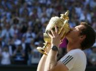 Julho: Andy Murray, o primeiro britânico a vencer Wimbledon em sete anos