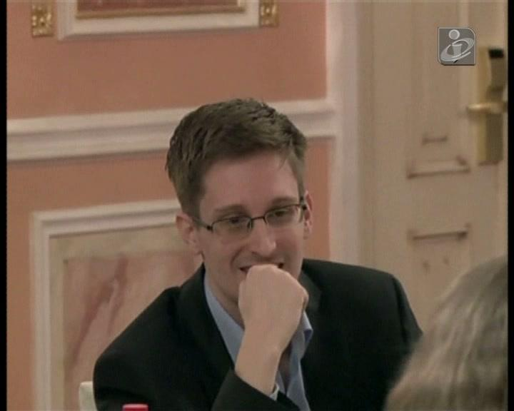 Edward Snowden diz que cumpriu a sua «missão»