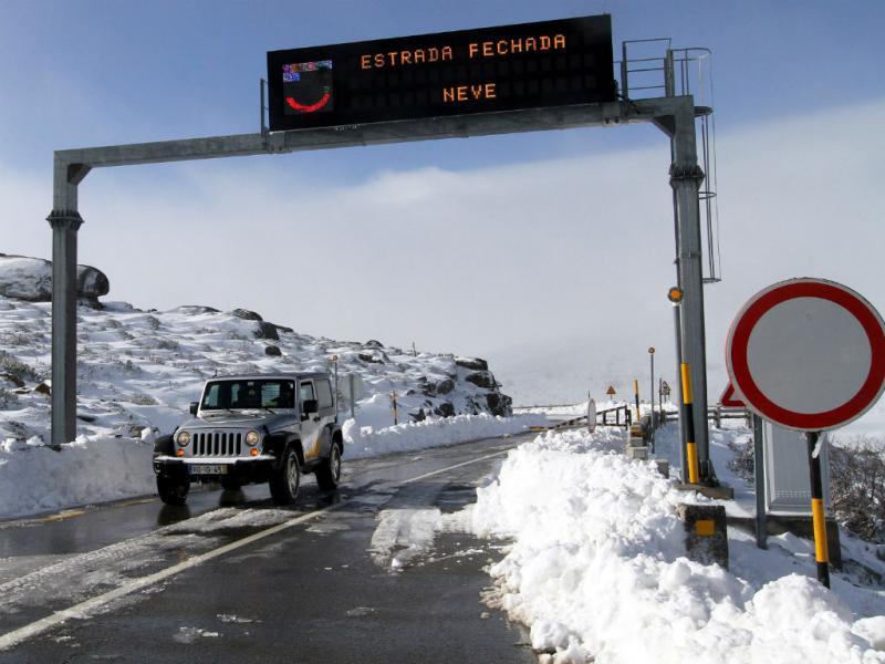 Neve na Serra da Estrela (LUSA)