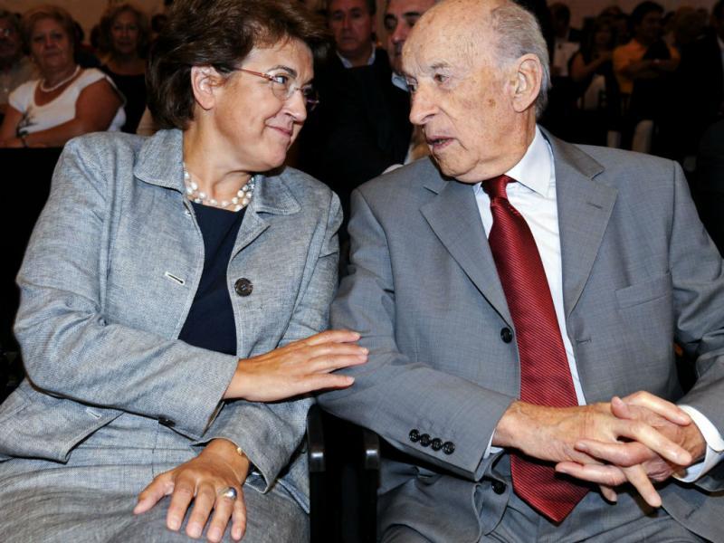 Albino Aroso com a ex-ministra da Saúde, Ana Jorge (LUSA)