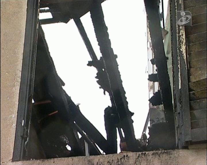 Idoso morre em incêndio que lhe destruiu a casa