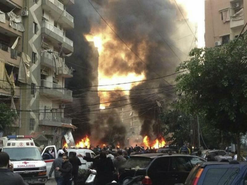 Carro-bomba faz vítimas e atinge prédios em Beirute (Reuters)