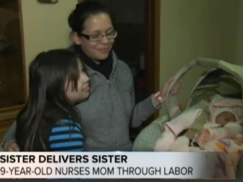 Menina de 9 anos ajuda a própria irmã a nascer