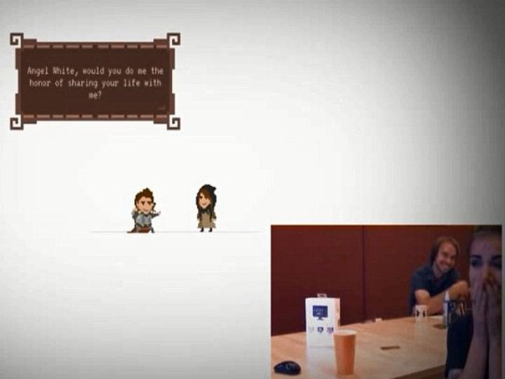 Pede namorada em casamento com jogo de computador que criou (Foto:Reprodução/YouTube)