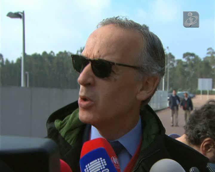 Nobre Guedes diz que liderança de Portas é «inquestionável»